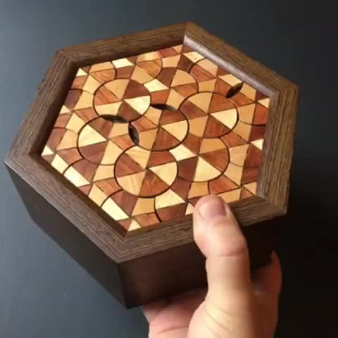 art, kagen sound, kagensound, mechanism, puzzle, puzzlebox, woodworking, Rotate the discs to unlock the Disc Box. GIFs