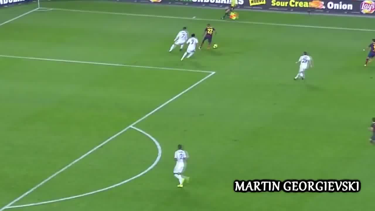 Daniel Alves (Football Player), Dani Alves panna vs Cristiano Ronaldo ||HD|| GIFs