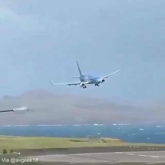 Watch and share Crosswind GIFs and Aviation GIFs by saleh on Gfycat