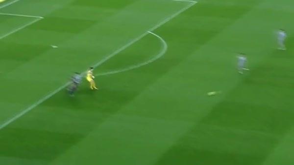 madtekkers, Messi destroys keeper's life, feat. Xavi (reddit) GIFs