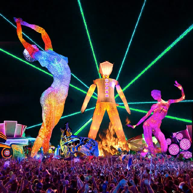 Watch and share Burning-man-2016-da-vincis-workshop GIFs on Gfycat