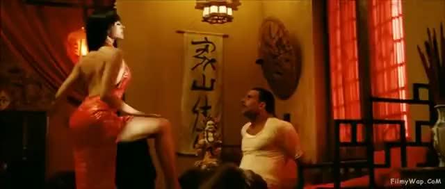 Watch and share Akshay Kumar & Deepika Padukone(comedy Scene)-Chandni Chowk To China GIFs on Gfycat