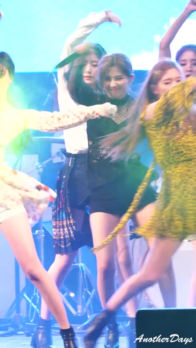 Watch and share G-Idle - Soyeon 8 GIFs by Cyan on Gfycat