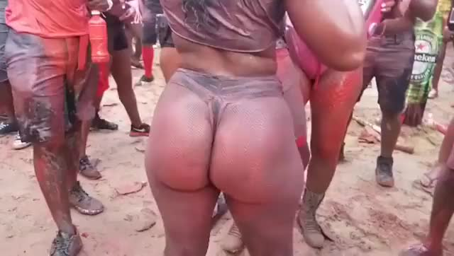 slow motion twerking