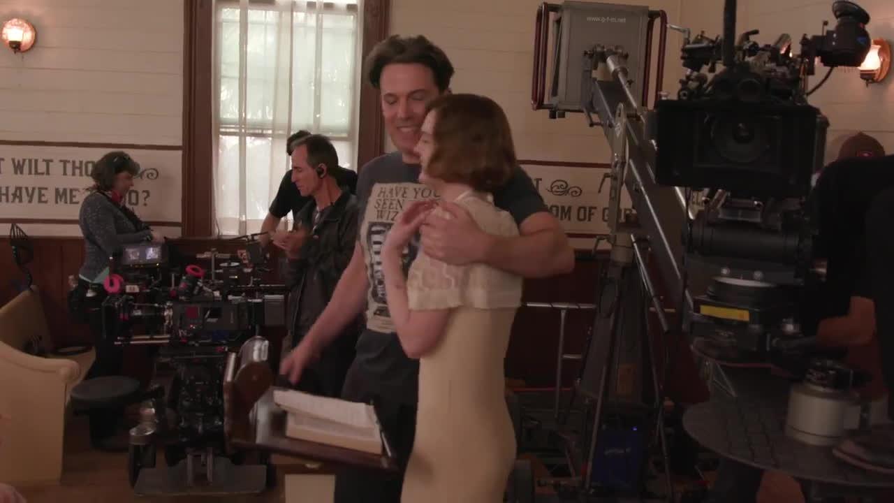 ElleFanning, ellefanning, victoria - Elle Fanning & Ben Affleck on the set of Live by Night GIFs