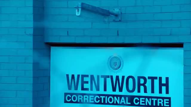 Watch Franky & Kim wentworth 2x12 subtitulado. GIF on Gfycat. Discover more kim, subtitulado, wentworth GIFs on Gfycat