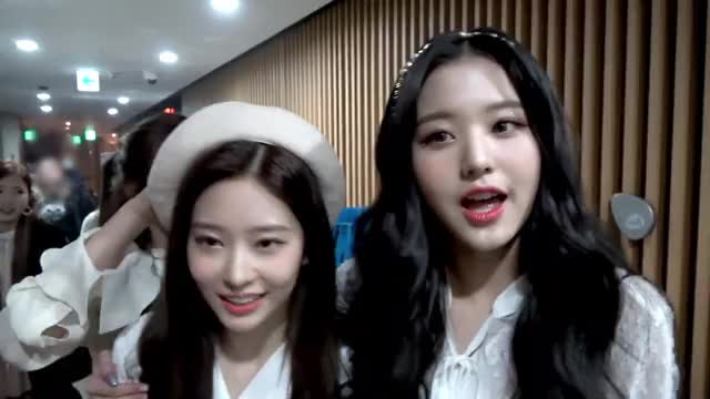 Watch and share Wonyoung GIFs and Izone GIFs by itssarcazm on Gfycat