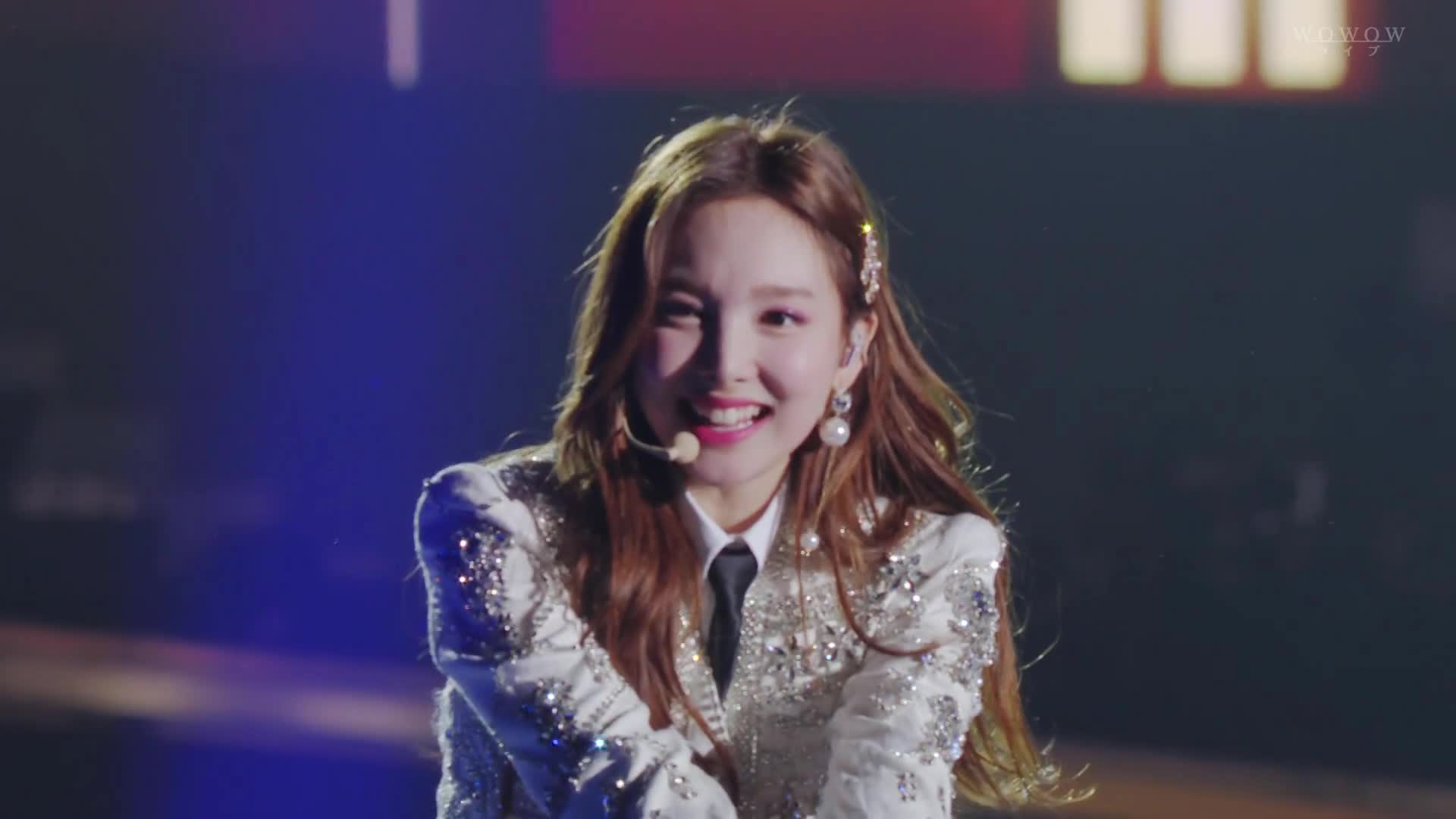 dreamday, Cutie Nayeon pointing and waving at you + heart GIFs