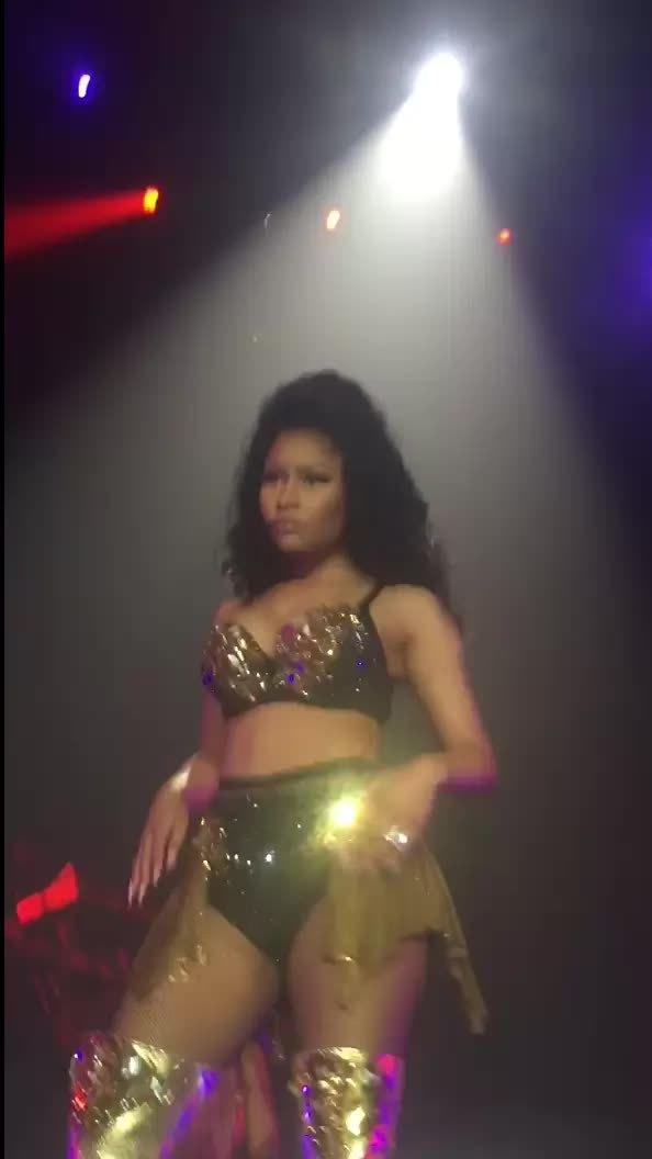 Nicki_Minaj, onstagegw, Untitled GIFs
