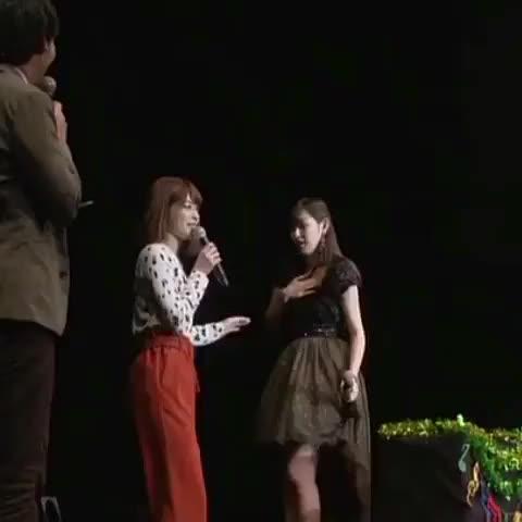 Watch and share ぴ♂の🐊 On Twitter あーりーのうえむーを🙄 #植村あかり #金澤朋子 #juicejuice Https GIFs on Gfycat