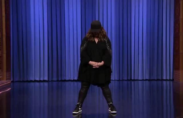 Watch this melissa mccarthy GIF by GIF Queen (@ioanna) on Gfycat. Discover more GIF Brewery, dance, funny, gif brewery, mccarthy, melissa, melissa mccarthy, move, show, tonight, yo GIFs on Gfycat