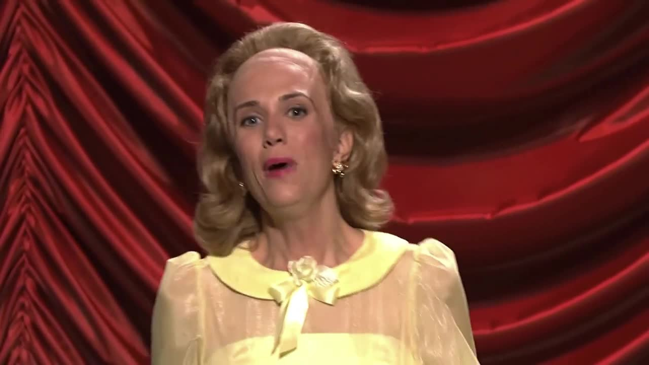Kristen Wiig, awkward, dance, funny, lawrence, live, maharelle, night, saturday, show, sisters, snl, song, welk, The Lawrence Welk Show: Introducing The Maharelle Sisters - SNL GIFs