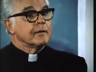 Watch In The Rooms - Father Martin - Chalk Talk on Alcohol GIF on Gfycat. Discover more Anonymous, alcoholic, alcoholics, alcoholism, com, father, intherooms, martin GIFs on Gfycat