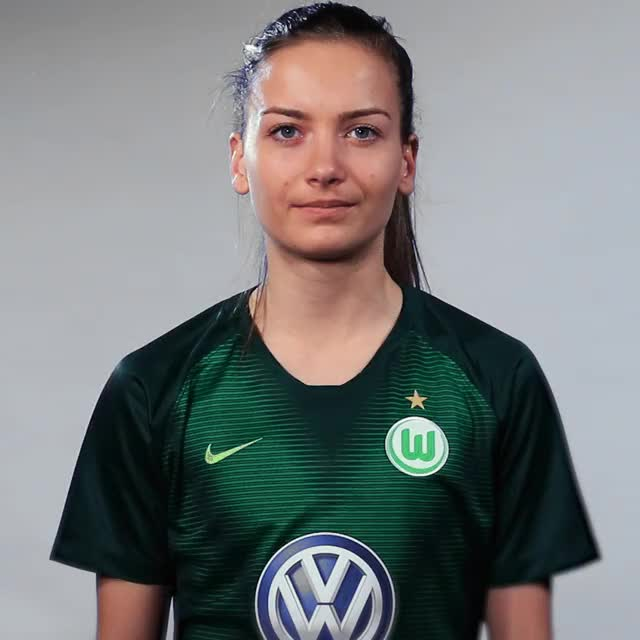 Watch and share Joelle Wedemeyer - Five GIFs by VfL Wolfsburg on Gfycat