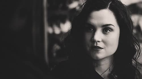 Watch and share Rachel Miner GIFs on Gfycat