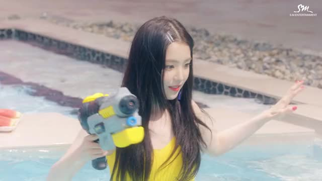Red Velvet - Irene Red Summer Throwback
