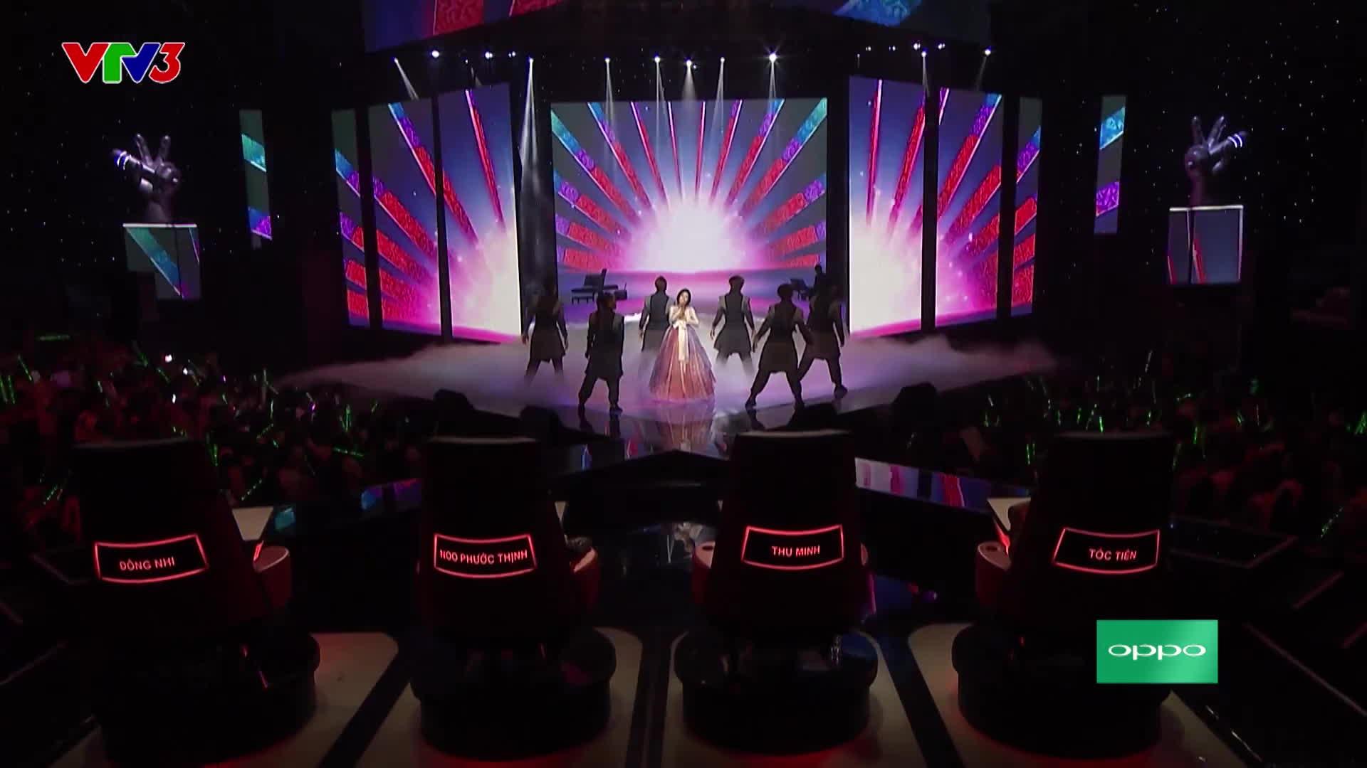 Diện hanbok hát hit Sơn Tùng M-TP, Han Sara lạc trôi vào Bán kết The Voice 2017