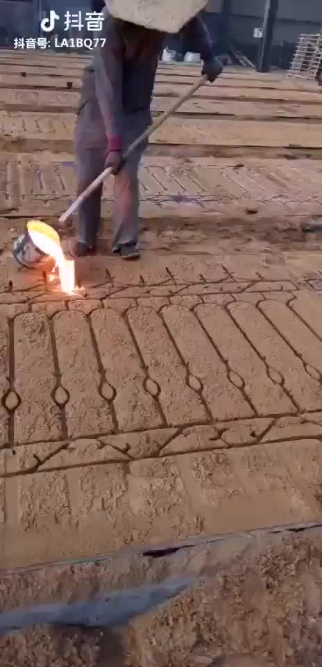 Watch Chinese iron workers making fences GIF by gangbangkang (@gangbangkang) on Gfycat. Discover more related GIFs on Gfycat