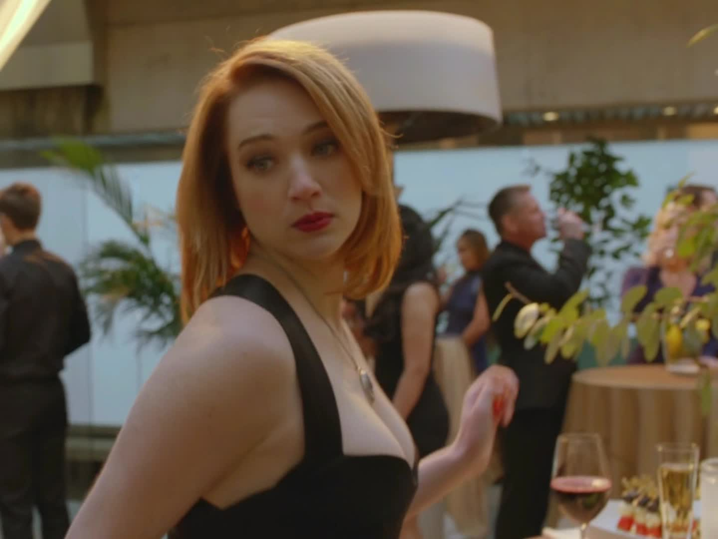 Kristen Connolly GIFs