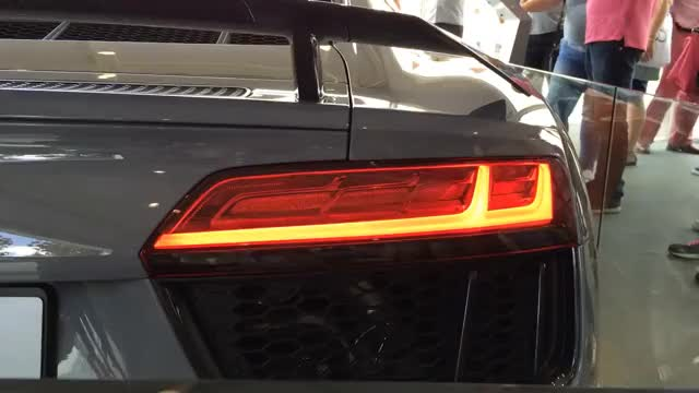 Watch Audi R8 Sweeping Turn Signal Indicator GIF on Gfycat. Discover more 2016, Light, R8, audi, dynamic, indicator, laser, led, lights, sequential, sequentially, signal, sweeping GIFs on Gfycat