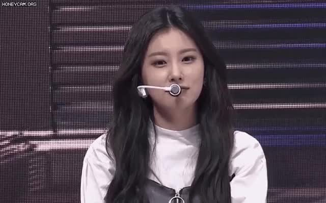 Watch and share 강혜원 GIFs on Gfycat