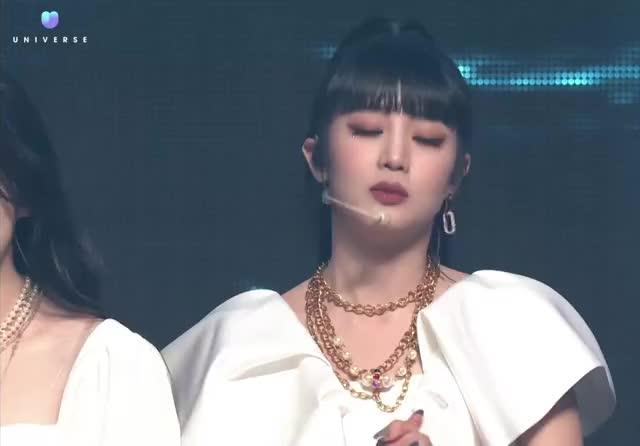 Watch and share Minnie GIFs and Shuhua GIFs by Hyosung on Gfycat