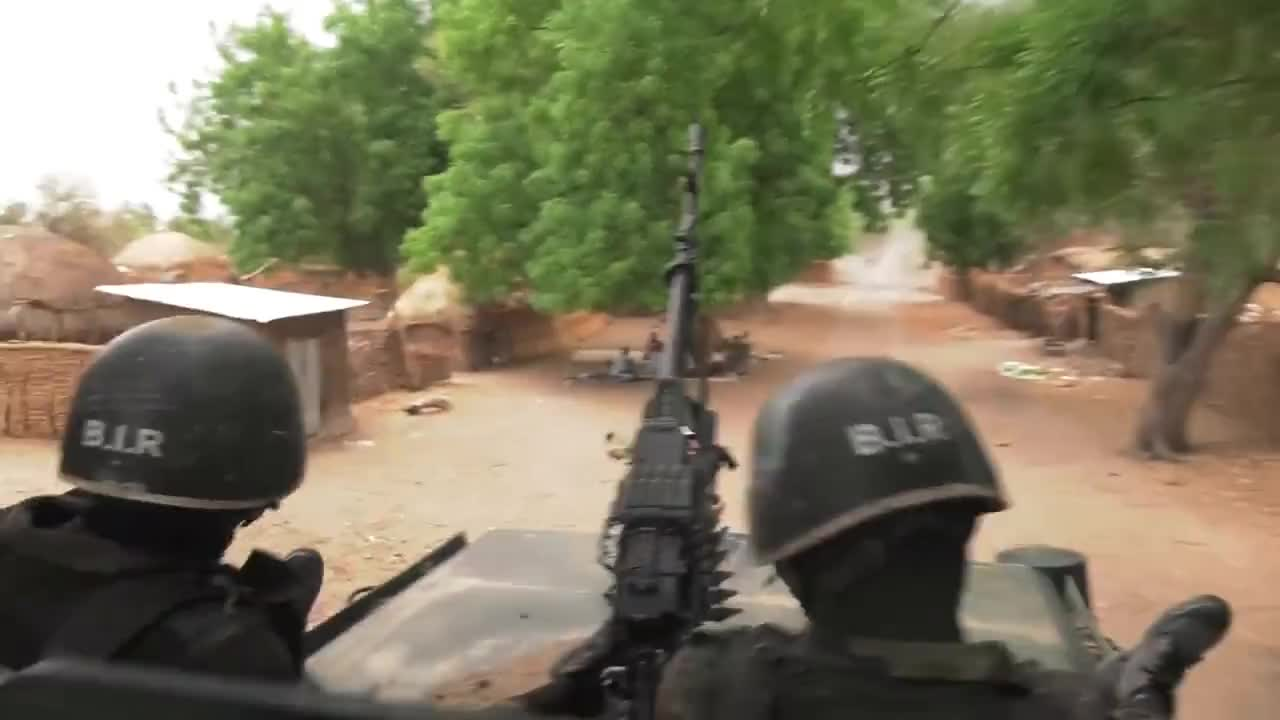 Afrique, africa, bir, cameroun, soldats, terroristes, ARROW 8 GIFs