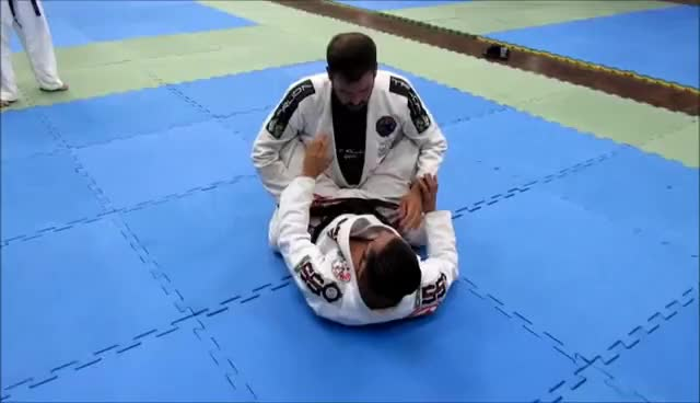 Watch CHAVE DE BRAÇO - HIZA GATAME - BJJ FEU GIF on Gfycat. Discover more Judo, jujutsu, mma GIFs on Gfycat