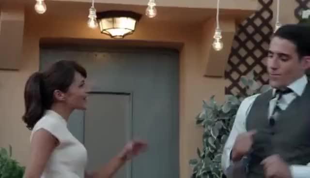 Watch and share Velvet - Ana Y Alberto Disfrutan De La Sorpresa De Cumpleaños De Ana GIFs on Gfycat