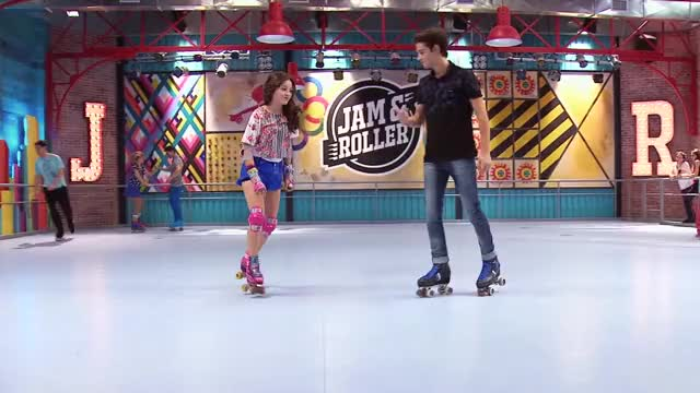 Watch Capítulo 7 (Parte 4) | Mejores Escenas | Soy Luna GIF on Gfycat. Discover more Jam & Roller, canal, channel, dinsey, disney, l disnei, oficia, patines, rollers, soy GIFs on Gfycat