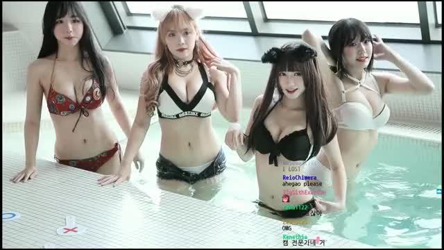Watch and share 수련수련 GIFs and 김다미 GIFs by BONARIN✨ on Gfycat