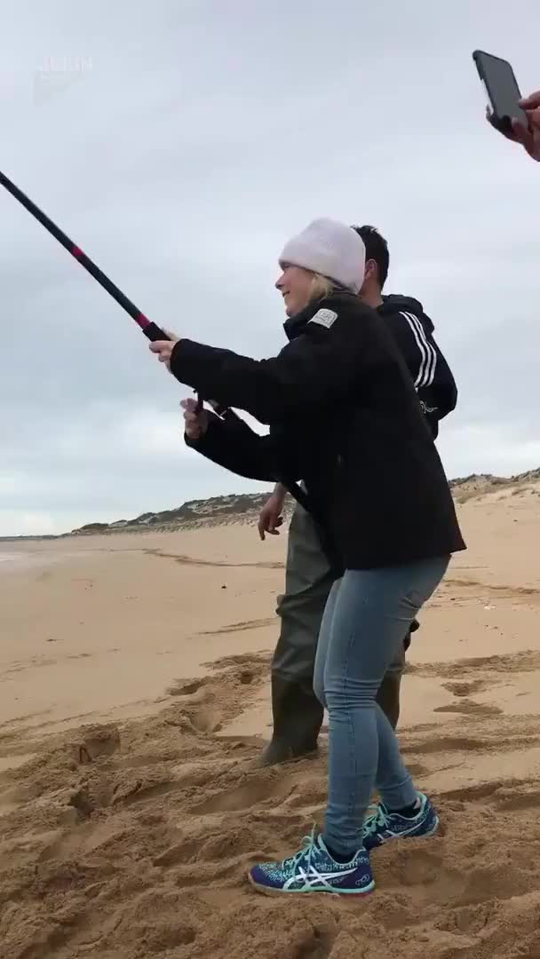 Watch Give me back my fish! GIF by Slim Jones (@slimjones123) on Gfycat. Discover more epic, video, viral GIFs on Gfycat