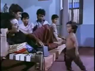 Watch Abu, o anão dançarino! (Abu, the dancer dwarf!) GIF on Gfycat. Discover more abu, cool, dancer, dwarf, epic, funny, indian, old but gold GIFs on Gfycat