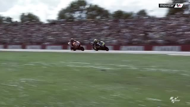 Watch ROSSI Vs MARQUEZ GIF by @trincaespinhas on Gfycat. Discover more Marq Marquez, Motogp, Rossi GIFs on Gfycat