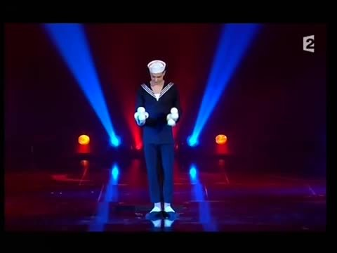 juggling, Koblikov's 10 ball multiplex cascade ...On stage. [gif] (reddit) GIFs