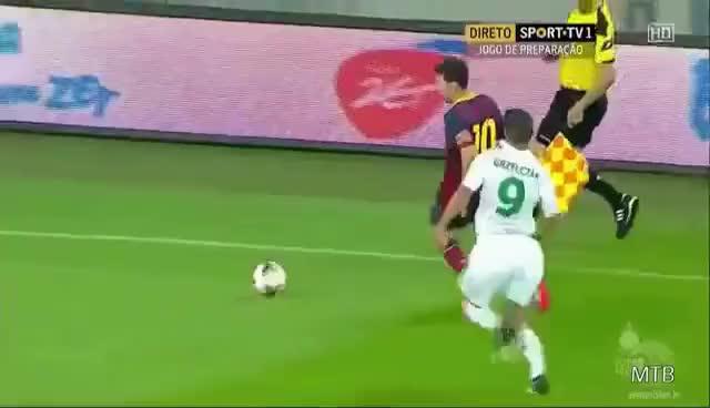 Watch and share Messi Humilla A Sus Rivales Dejandolos En El Suelo GIFs on Gfycat