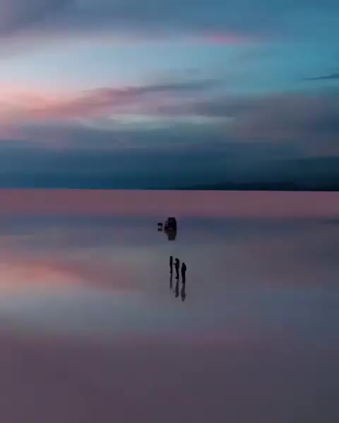 nature, The stunning reflections of the Salar de Uyuni in Bolivia (@machifantastic) GIFs