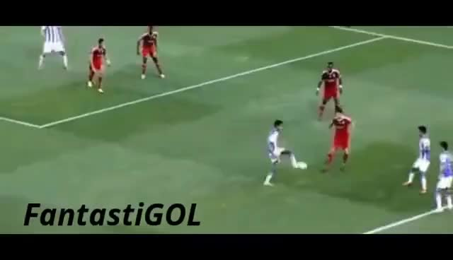 Watch Rondo Real Sociedad Olympique Lyon GIF on Gfycat. Discover more champions, champions league, olympique, real sociedad, rondo, tiki taka, txampions GIFs on Gfycat