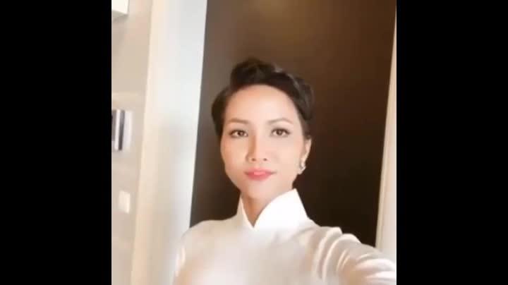 Hoa hậu HHen Niê tự tin nói tiếng Anh, gửi lời cảm ơn đến khán giả
