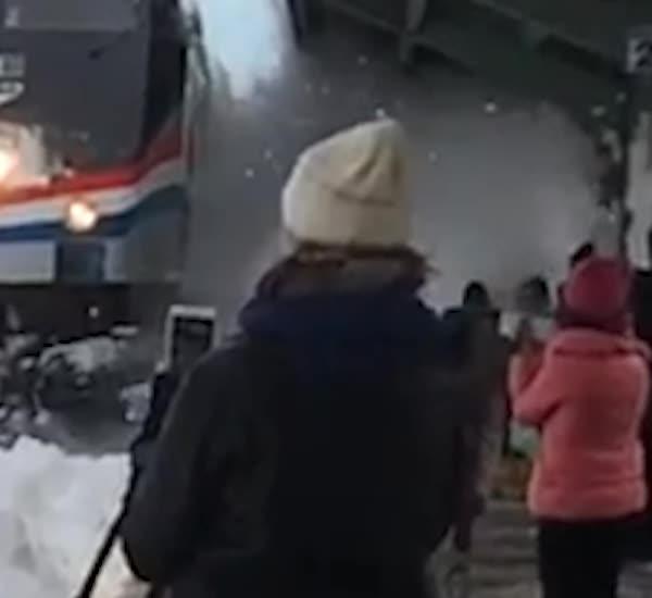 combinedgifs, Amtrak Snow v4 GIFs