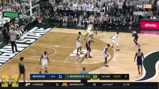 Watch Poole to Livers GIF by MGoBlog (@mgoblog) on Gfycat. Discover more 2017-18, Basketball, Isaiah Livers, John Beilein, Jordan Poole, Michigan, Michigan State GIFs on Gfycat