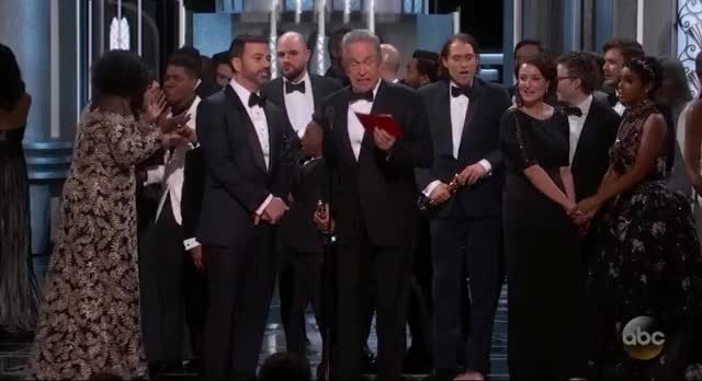 Watch and share Oscars GIFs by Vera Yuan on Gfycat
