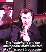 alex turner, alexa chung, amedit, arctic monkeys, gifset, headphones, jamie cook, matt helders, microphone, mine, nick o'malley, melike from Turkey GIFs