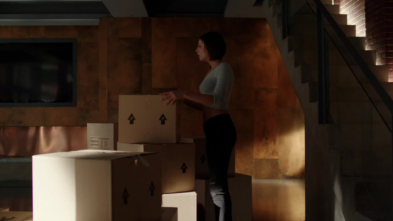 CelebGfys, WillaHolland, willaholland, Willa Holland in Arrow, S03E05 GIFs