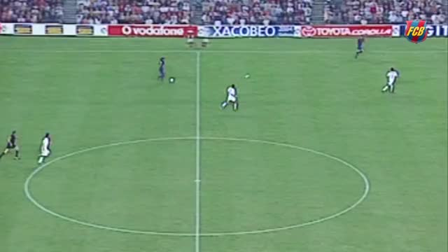 Watch Ronaldinho's stunning goal against Sevilla (2003) GIF on Gfycat. Discover more FC Barcelona, FUTBOL, FUTEBOL, Fútbol, Sepakbola, football, soccer, برشلونة،, كرة القدم, サッカー GIFs on Gfycat