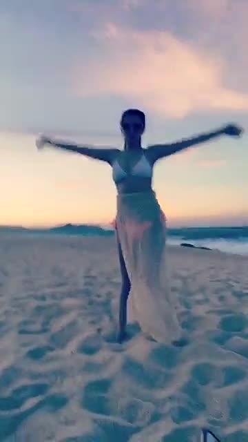 annakendrick, Anna Kendrick dance GIFs