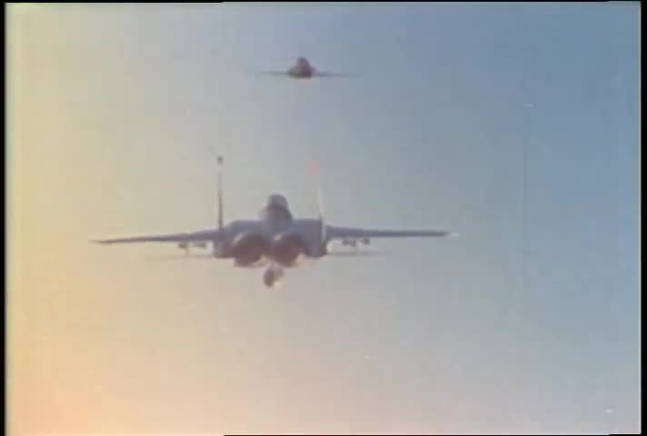 American Air Force, American Navy, F-15, F-16, Navy, dogfight, fighter pilot, flying jets, military history, top gun, Figher Pilots Dogfight - What It's Really Like GIFs