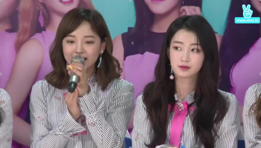 Không chỉ fan Việt, nhóm nhạc nữ Gugudan đến từ Hàn Quốc cũng mê tít Sơn Tùng M-TP ảnh 7