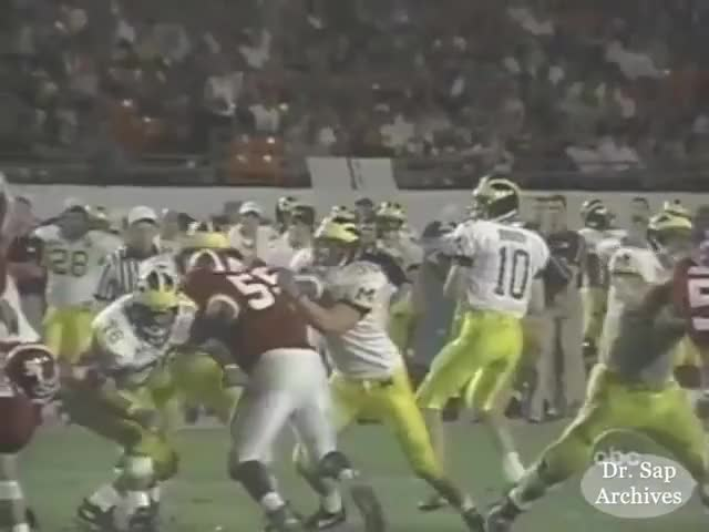 Watch 2000 Orange Bowl GIF on Gfycat. Discover more 2000 Orange Bowl, David Terrell (American Football Player), Dhani Jones (American Football Player), Football, Ian Gold, Michigan, Steve Hutchinson (American Football Player), Tom Brady (American Football Player), Tommy Hendricks, WXYZ-TV (TV Station) GIFs on Gfycat