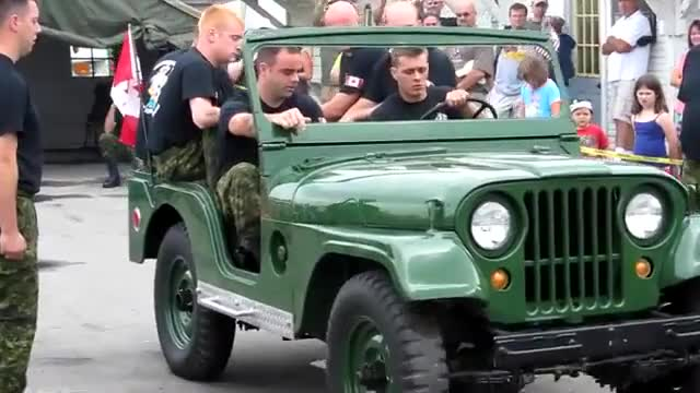 Watch Canadian Team Disassembles Running Jeep in Under 2 Minutes. GIF by LimeLights  (@makeagiffoundation) on Gfycat. Discover more Jeep Festival, car, cool, dissasemble GIFs on Gfycat